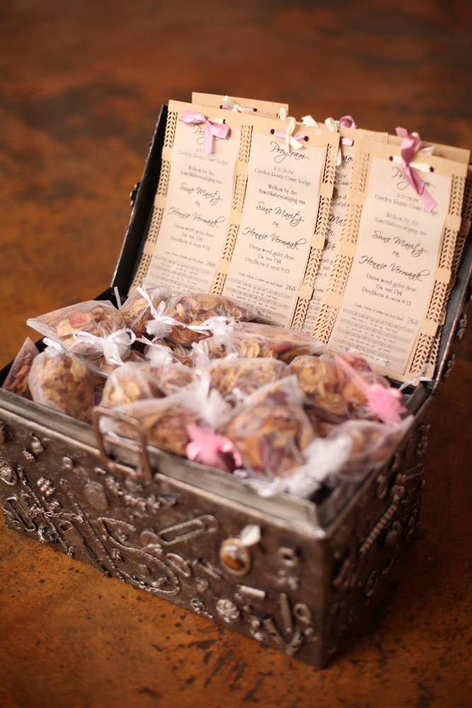 Confetti chest with dried rose petals